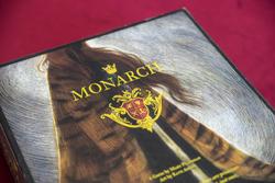 monarch-detail-250-1